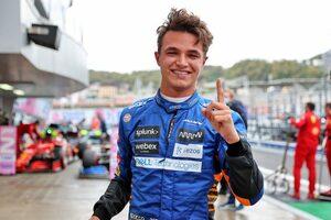 マクラーレンのノリスがキャリア初ポールを獲得、サインツとラッセルが続く。角田は13番手【予選レポート/F1第15戦】