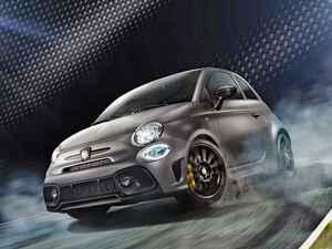 アバルト 595の限定車「モメント」を発売。コンペティツィオーネをベースにスポーツ性を強化