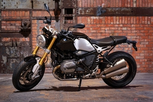 BMW Motorrad「R nineT」新型モデル予約開始 新設計のヘッドを採用しクリーンな燃焼とトルクの最適化を実現