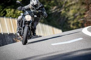 650ccって「ちょうどいい」からおすすめなの? いいえ! スズキ『SV650』は、そういう大型バイクじゃありません!【SUZUKI SV650/試乗レビュー(1) おさらい編】