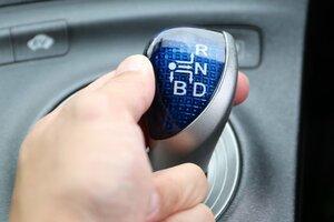 「B」と「S」ってそもそも何? 最新車のシフトポジション 正しい使い方を知っていますか