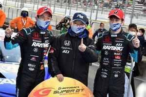 RAYBRIG NSX-GTが有終の美を飾る逆転勝利!シリーズチャンピオンに【スーパーGT選手権 Rd08最終戦】富士SW