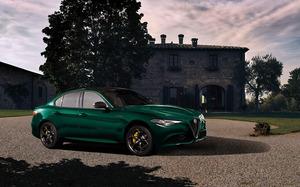 「アルファロメオ・ジュリア」に上質さを強調する限定車「ヴィスコンティ・エディション」が登場!