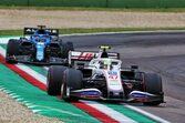 【F1チームの戦い方:小松礼雄コラム第3回】レース完走を最優先。難コンディションでも予定通りのタイヤ戦略を完遂