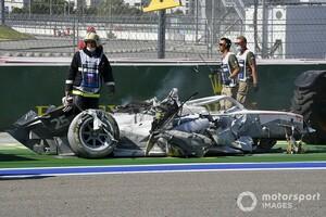 FIA F2であわや大惨事。パンクにより時速250kmでバリアに突っ込んだエイトケン「とても怖かった……」