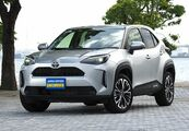 国内SUV販売ランキングはヤリスクロスが3カ月連続首位。SUBARUフォレスターは前月比98.5%、マツダCX-30は93.1%、CX-5は87.1%増加。(2021年3月)