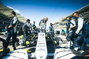 ラッセル「アロンソとベッテルに抜かれてからは、長くて孤独なレースだった」:ウイリアムズ F1第17戦決勝