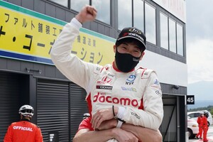 スーパーフォーミュラ第4戦SUGO決勝:福住仁嶺、フル参戦3年目で悲願達成。5番手発進から完璧なレース運びで初優勝