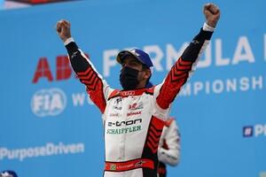 フォーミュラEプエブラePrixレース1:トップチェッカーのウェーレインまさかの失格。ディ・グラッシ優勝