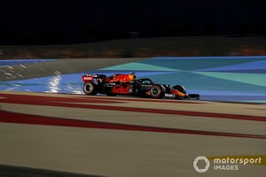 レッドブルとメルセデス、分かれた来季への開発戦略。フェルスタッペン「縮まらない差に落胆はしてない」|F1バーレーンGP