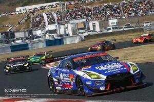 昨年王者リアライズ  GT-R、SC導入で急転の首位争いを制す【第1戦岡山GT300決勝】