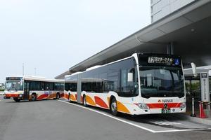 空港内を循環するターミナル間連絡バスたち【エアポートバスの話】