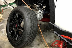 なぜタイヤに「窒素ガス」流行? 費用対効果は微妙? 空気と異なる特性とは