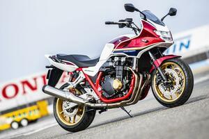 【実車公開】大型バイクの王道! ホンダの新型『CB1300SF』と『CB1300SB』はSPもいいけど、スタンダードに存在感アリ!【2021新車ニュース/Honda CB1300 SUPER FOUR/SUPER BOL D'OR】