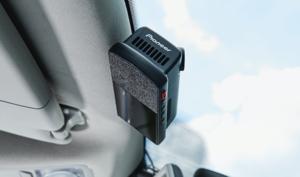 JAFのロードサービスと連携!市販モデル初の緊急通報機能を備えたパイオニアの「ドライブレコーダー+」