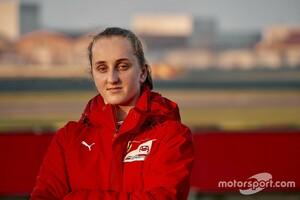 フェラーリ・ドライバー・アカデミーに初の女性ドライバーが加入! 16歳のマヤ・ウィーグが1年契約結びF4参戦へ