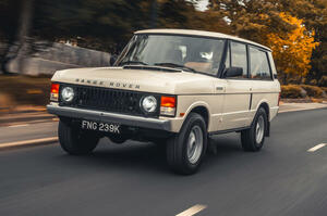 【旧車の利点】レンジローバー 排ガス規制免除のレストモッド車両登場 英国