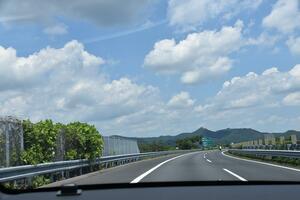 「日本に高速道路は4本のみ」の豆知識は通称名から広まったウソ! 知られざる高速の正式名称と本当の区分
