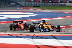 """リカルド、サインツとの接戦を「こすり合い」と振り返る。""""ちょっと汚い""""との評価も気にせず/F1第17戦"""