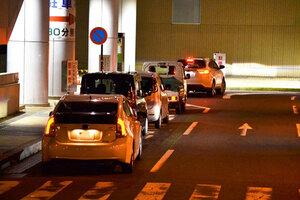 「路上駐車」減ってる? 9年間のアンケートで初めて3割下回る 停める人の心理は