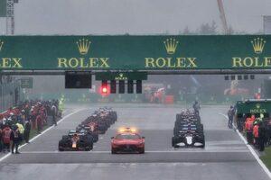 F1コミッション会合で、悪天候時の対応改善について協議。2022年カレンダー案は金曜に承認へ