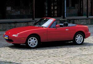 「名車購入ミニガイド付き」世界が愛したFRオープン2シーター! タイムレスなユーノス・ロードスターの魅力