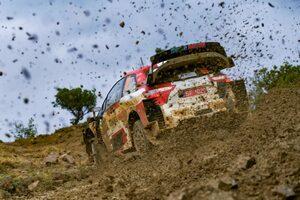 トヨタ、8年ぶり復活のWRCアクロポリスで初日トップ3独占。ラトバラ「大変なのは明日以降」