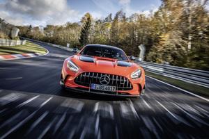 AMG GT ブラックシリーズがニュル市販車記録を更新! ランボルギーニから最速の称号を奪取 【動画】