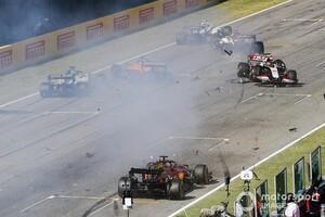 F1トスカーナGP|リスタート時に起きた危険な多重クラッシュ。ドライバーからは規則見直しを求める声