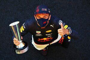 アルボンが悲願の初表彰台「絶対に逃さないと決意し、アグレッシブに戦った」レッドブル・ホンダ【F1第9戦】