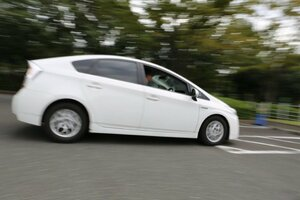 ドライバーの嘘をクルマは見抜けるのか 高齢者の事故解明と運転力維持のための方法