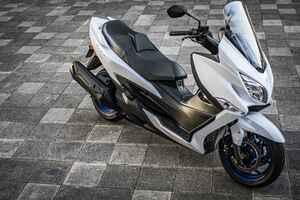 いま中免(普通二輪免許)で乗れる250cc~400ccのバイク選びで、スズキの『バーグマン400』っていうスクーターはアリなの?【SUZUKI BURGMAN400/試乗インプレ 前編】