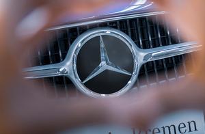 ベンツ工場でエンジン生産終了! ドイツの内燃機関技術はこのまま死に絶えるのか?