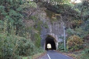 房総半島は素掘りトンネル王国!? 日本で2番目に古い国道トンネルを走ってみた