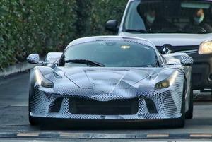 【スクープ】その最高出力は狂気の1000㎰超え? フェラーリの次世代ハイパーカーの開発車両をキャッチ!