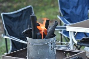 これであなたも「バーベキュー奉行」! 炭に秒で火を付ける「マル秘」テクニックとは