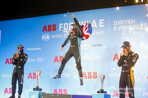 フォーミュラEディルイーヤePrixレース2決勝:バードがフラインスとの一騎討ち制し今季初優勝。キャシディは5位で初入賞