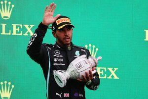 ハミルトン14番手から3位フィニッシュ。最後尾に落ちた戦略を「正しかった」とメルセデスは主張/F1第11戦決勝