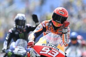 """【MotoGP】マルケス復帰後に聞こえた""""疑問の声""""に「彼が何者なのか忘れていたのでは?」とチームマネージャー"""