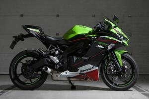 カワサキが「Ninja ZX-25R」の2022年モデルを発売! 250cc・4気筒スーパースポーツマシンの最新カラーをチェック