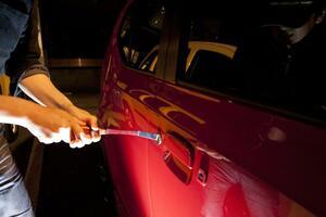 減ってなお年間「5000件」も起こっている! 絶対許せない「車両盗難」最新手口と対策
