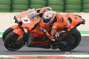 """【MotoGP】KTMの新人にテスト機会""""奪われた""""レクオナ、憤り隠せず。ペトルッチは「試すモノも無かったし……」と受け入れ姿勢"""