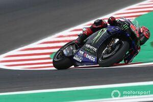 """【MotoGP】ドヴィツィオーゾ、久々に乗ったヤマハの""""特別さ""""指摘「クアルタラロは""""クレイジー""""な何かをしている」"""
