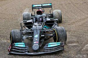 """F1第2戦でハミルトンを襲った悪夢の31周目。波乱になればなるほど現れる""""ドライバー力"""""""