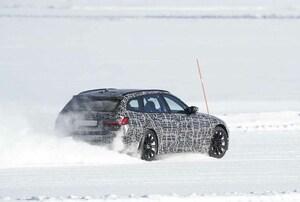 【スクープ】豪雪を爆走するBMW M3初のツーリング市販型をキャッチ! 8速AT全輪駆動のみ発売か!?