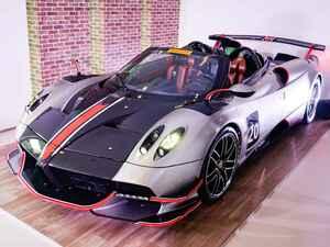 約4億円、パガーニ ウアイラ・ロードスターBCが日本上陸。V12搭載、生産台数40台のスーパーカー