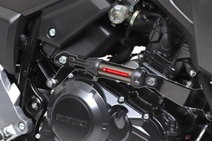 ヤマハ発動機が開発したパーツをスズキとカワサキにも 「パフォーマンスダンパー」車種専用キットがアクティブから発売