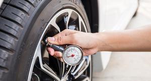 【タイヤの空気圧】どのくらいの頻度でチェックするべき!?