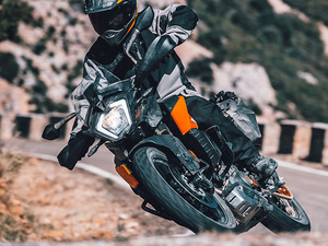 【KTM】国産250ccオフロードモデルに強力なライバル登場!「KTM 250 ADVENTURE」が12月に発売