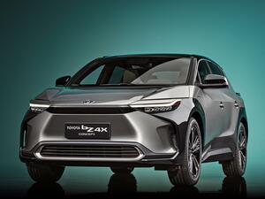 トヨタ bZ4Xを上海で発表し、2022年に発売。25年までにEVの「bZ」シリーズ7車種をグローバル展開